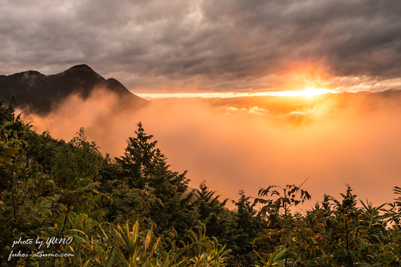 雲海・燃える・赤く染まる・日の出・朝日・風景写真撮影1