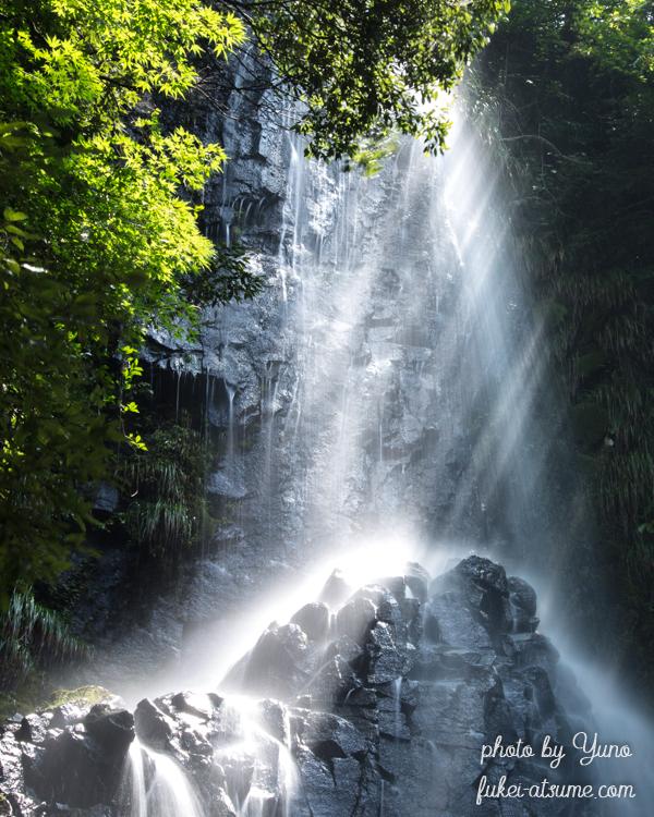 兵庫県美方郡香美町・猿尾滝・日本の滝百選・光芒・光・夏
